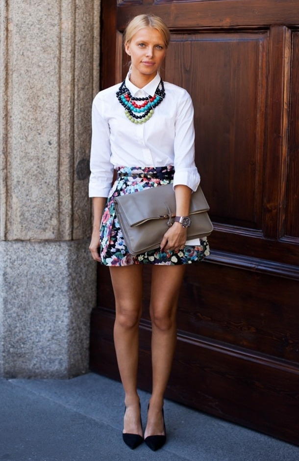 statement-necklace-stockholm-street-style-multicolor-beads-fashion-week-zara-heels-floral-print-a-line-full-skirt-celine-clutch