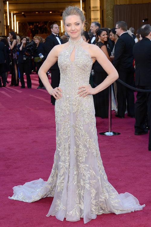 amanda-seyfried-oscars-2013-red-carpet