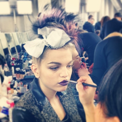 fashion-week-fendi-backstage