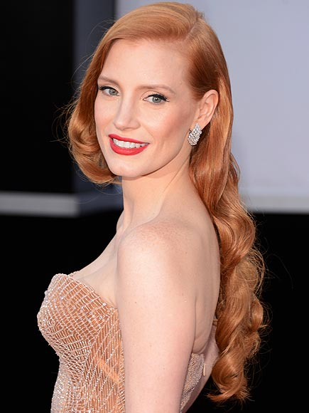 jessica-chastain-oscars-2013-hair-makeup