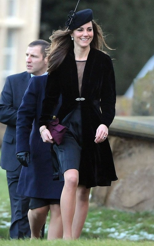 kate-middleton-black-coat
