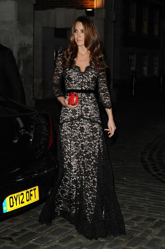 kate-middleton-black-lace-gown