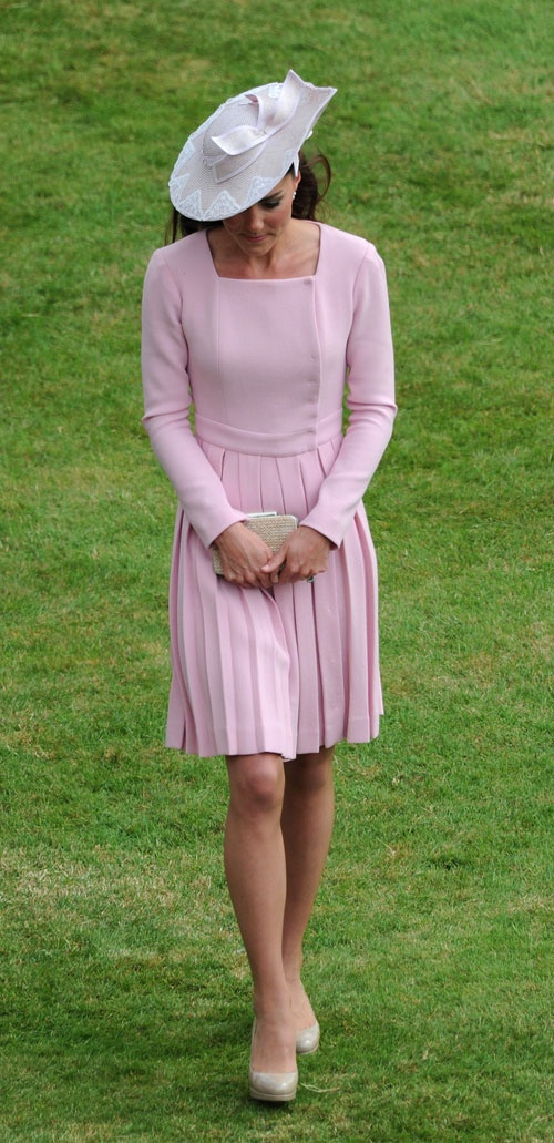 kate-middleton-pink-dress-hat
