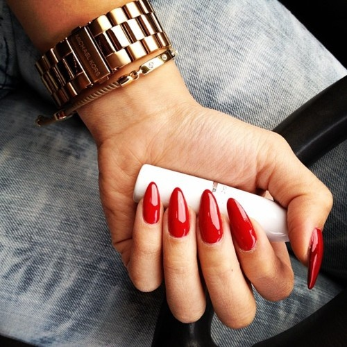 long-red-nails
