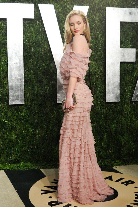 Rosie-Huntington-Whiteley-vanity-fair-oscar-party-2013