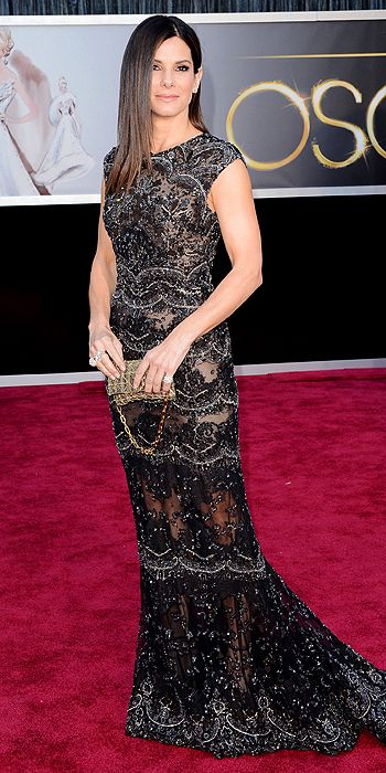 sandra-bullock-oscars-2013-red-carpet