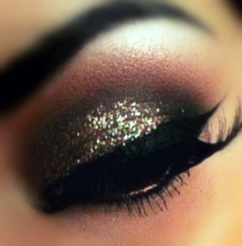 smoky-eyes-valentine-day