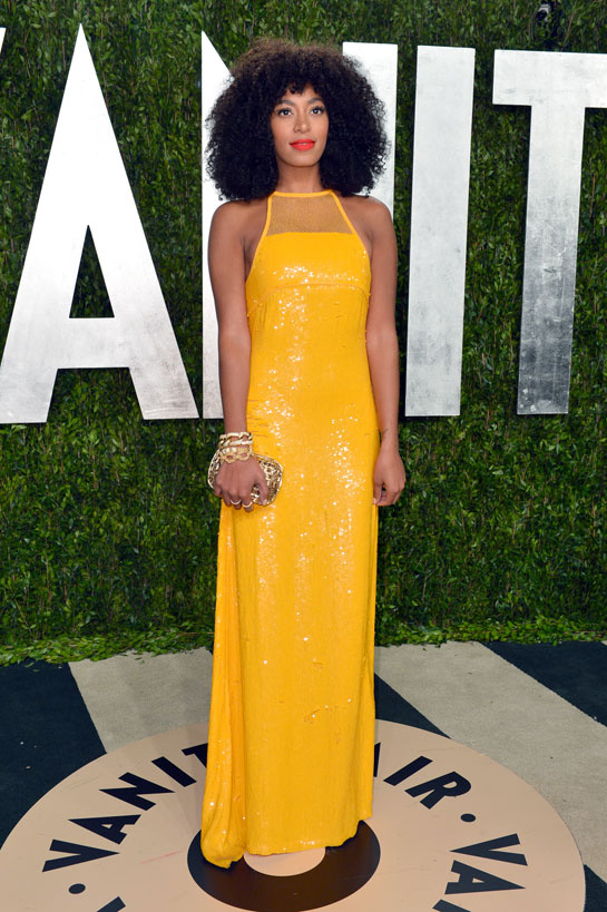 solange_knowles_porte_des_sandales_jimmy_choo-oscars-2013-afterparty