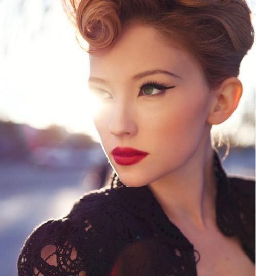 valentine's-day-red-lips (2)