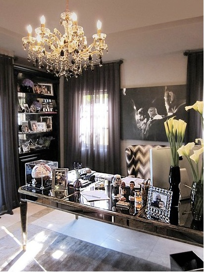 khloe-kardashian-home-office
