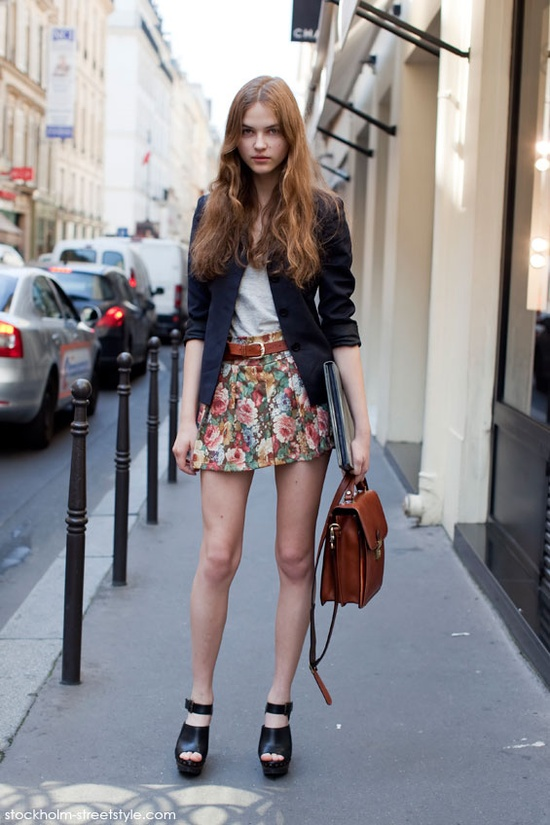 floral-print-trousers