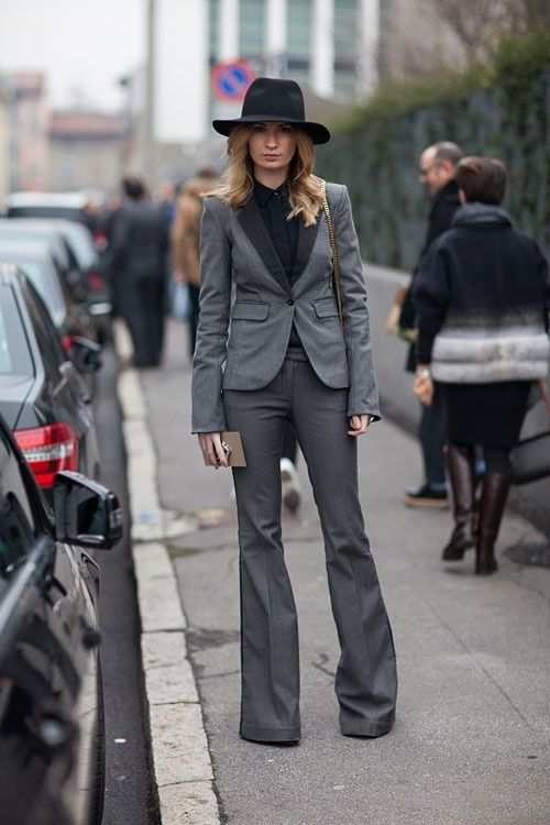 gilr-in-suit-street-style