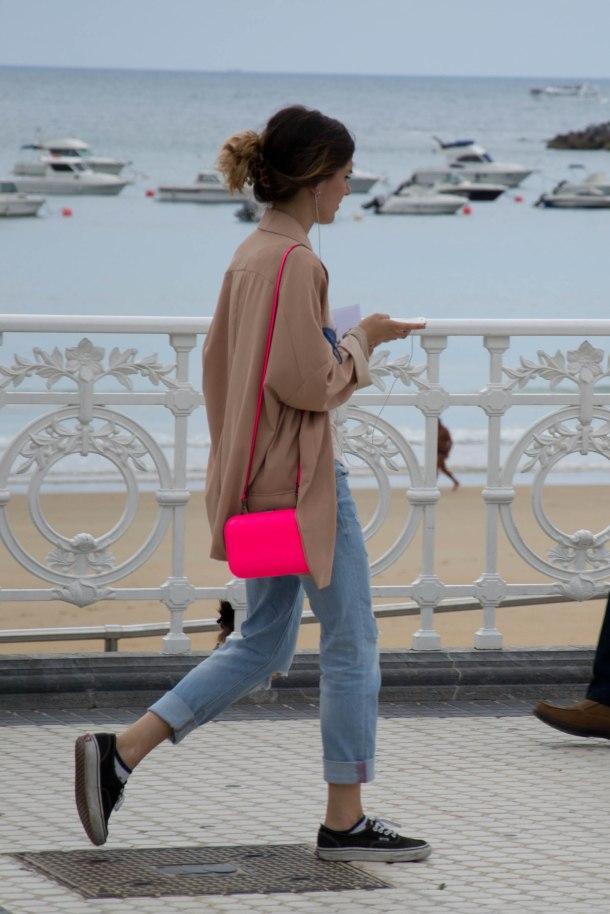 neon-pink-clutch