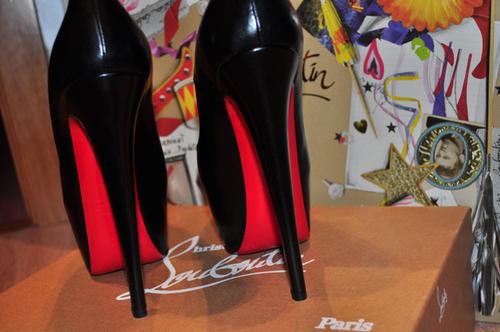 black-christian-louboutin-heels-louboutins