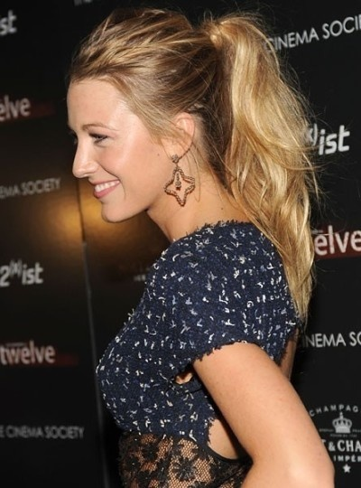 blake-lively-messy-ponytail
