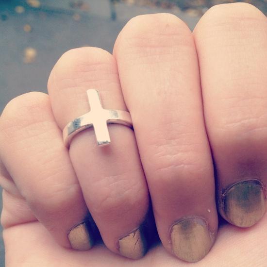 cross-knuckle-rings