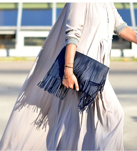 fringed-clutch