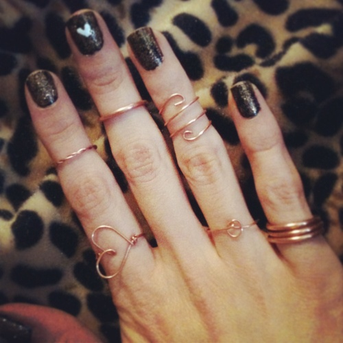 gold-knuckle-rings