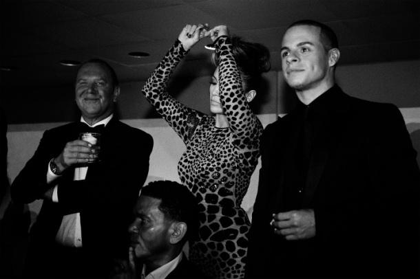 JenniferLopez-dancing-2013-met-gala-party