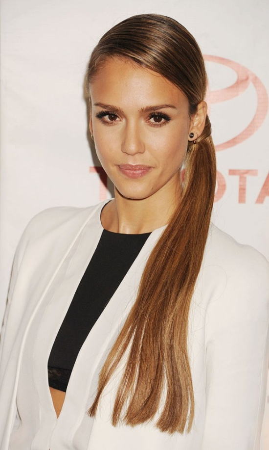 jessica-alba-sleek-low-ponytail