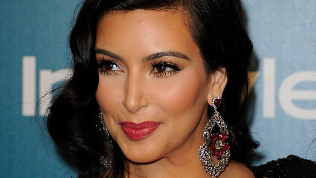 kim-kardashian-candelabre-earrings