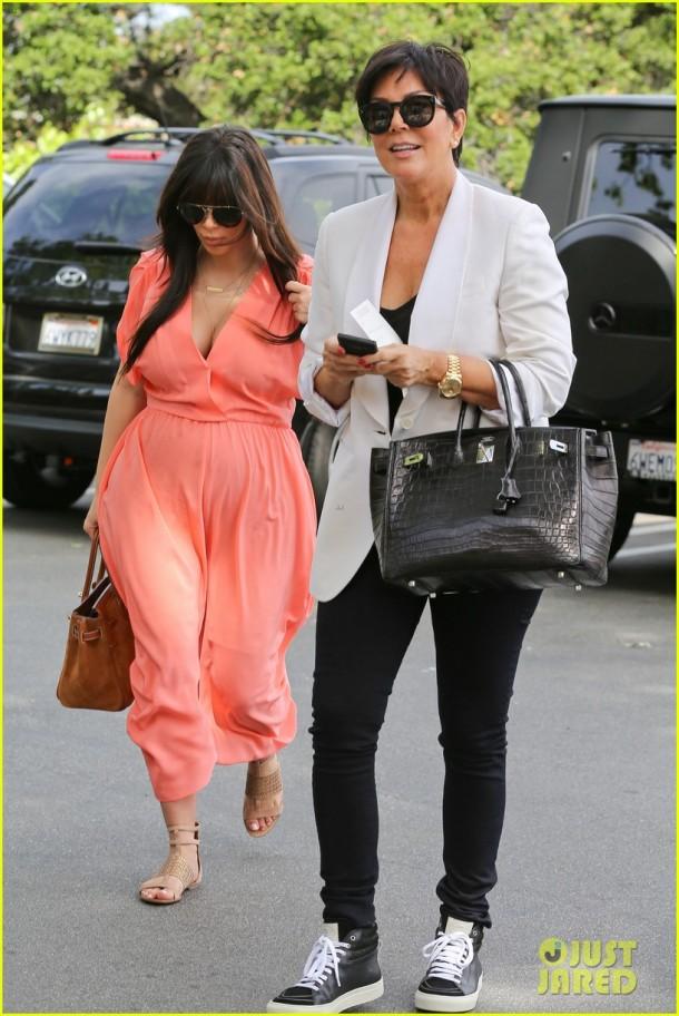 kim-kardashian-pregnancy-style-day-dress