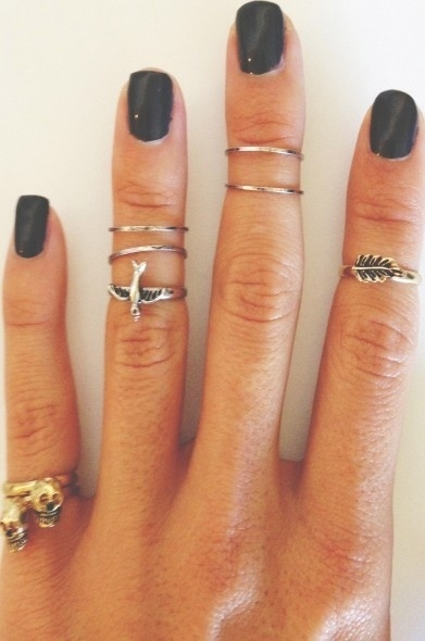 knuckle-rings-black-nail-polish