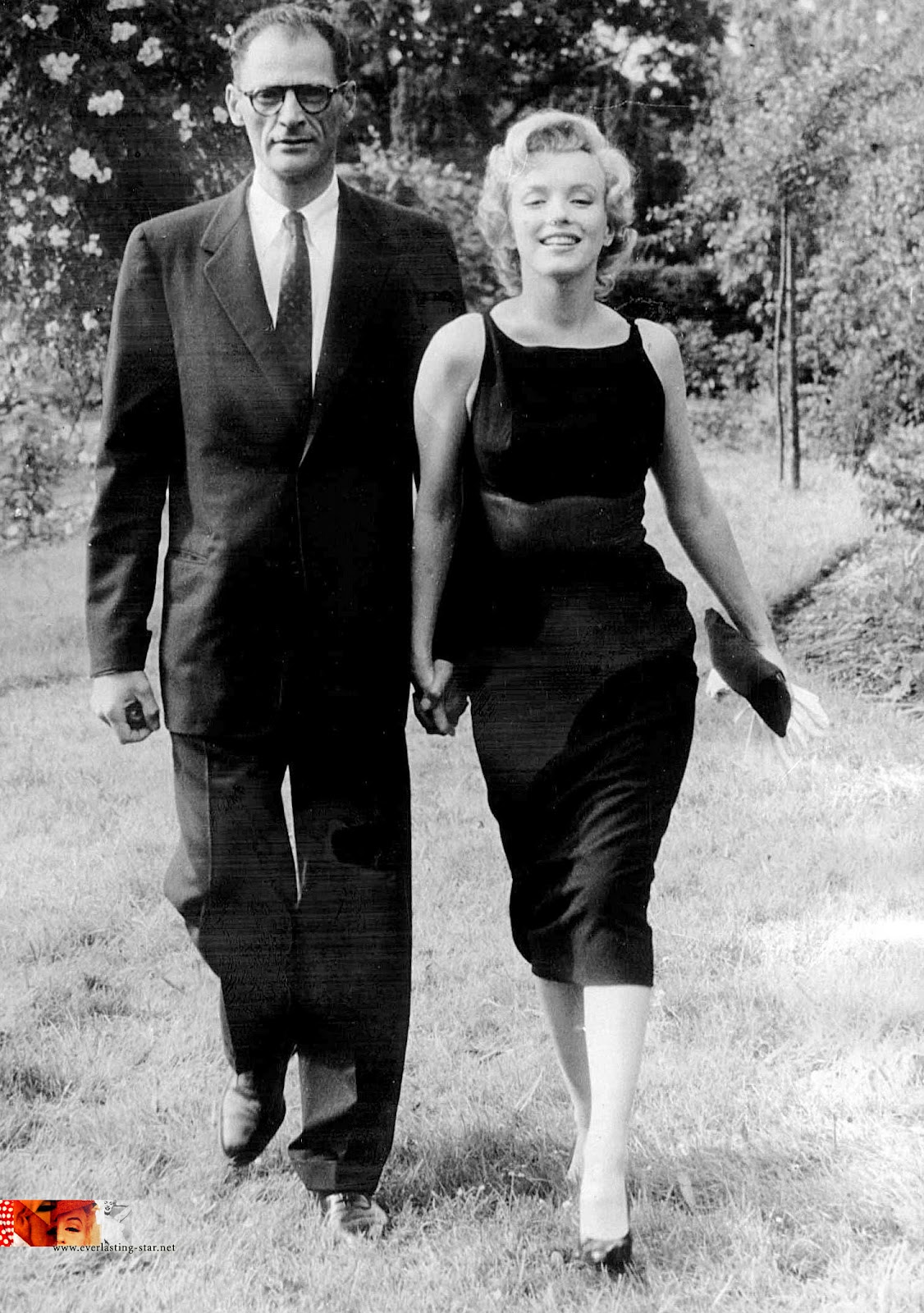 marilyn-monroe-little-black-dress
