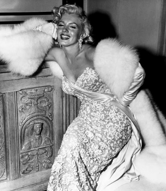 marilyn-monroe-white-dress-fur