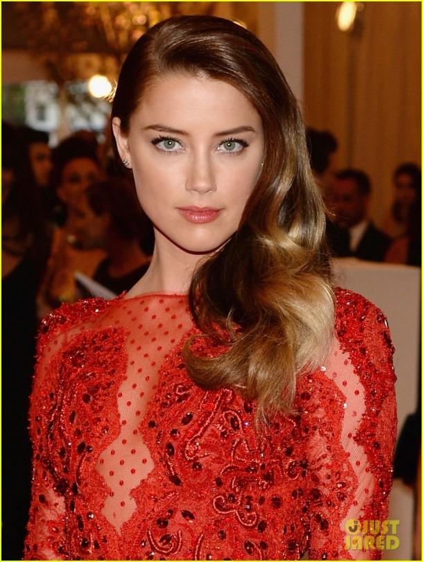 red-carpet-met-gala-2013-amber-heard-makeup-hair