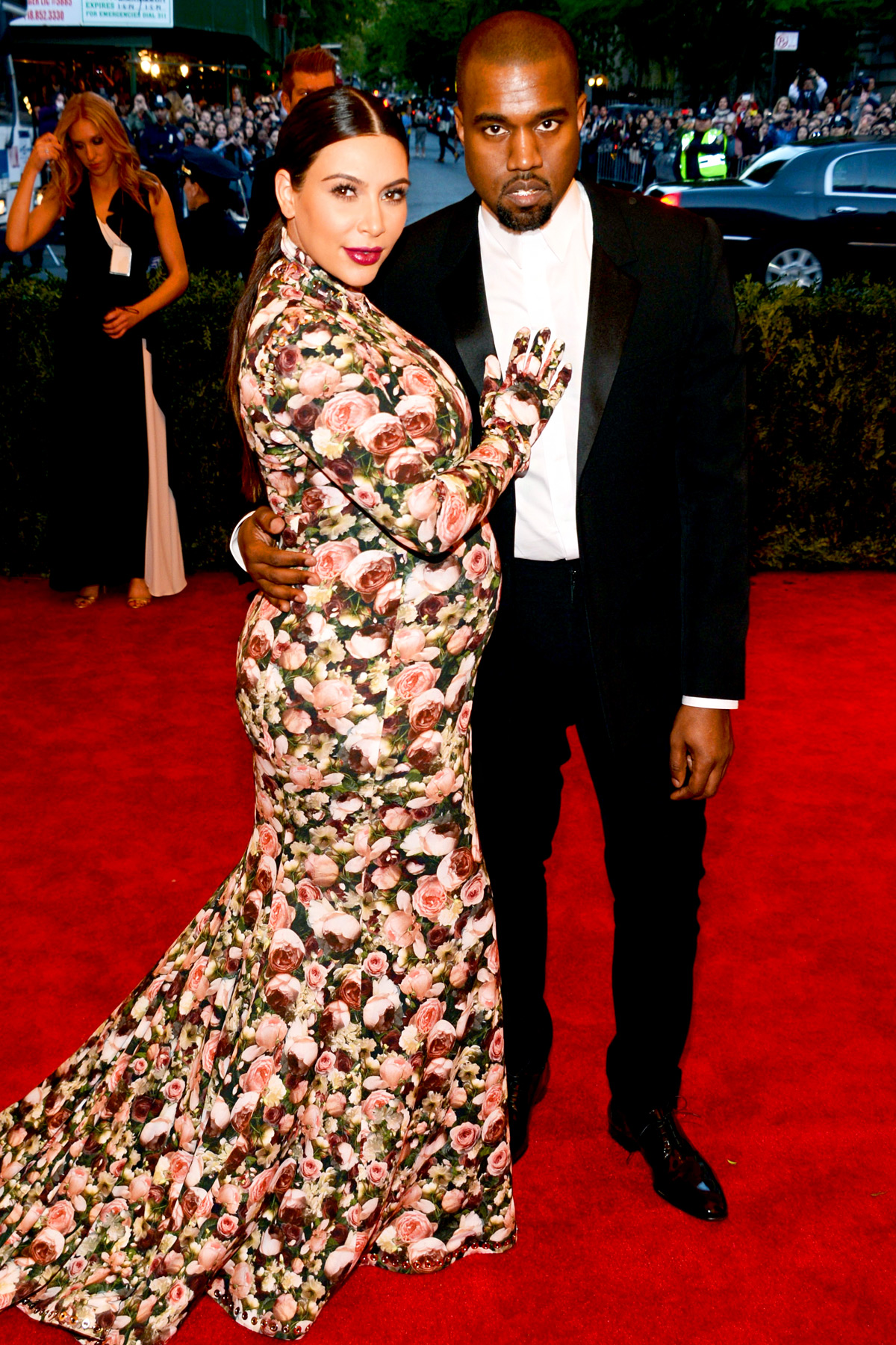 red-carpet-met-gala-2013-kim-kardashian-kanye-west