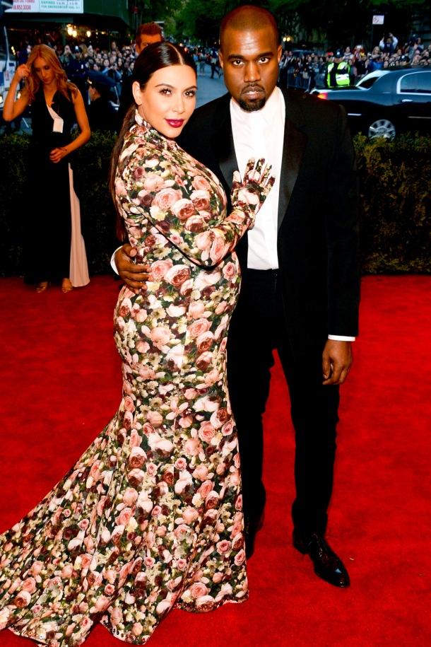 red-carpet-met-gala-2013-kim-kardashian-kanye-west