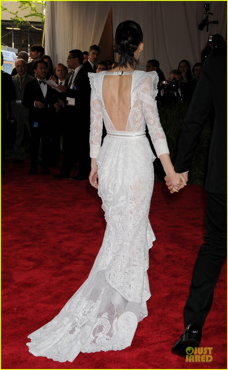 red-carpet-met-gala-2013-rooney-mara
