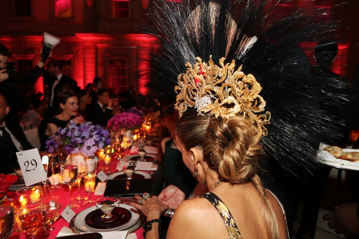 sjp met gala 2013 table Punk Party At The Met Gala!
