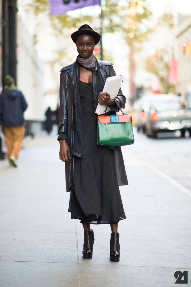 street-style-black-outfit
