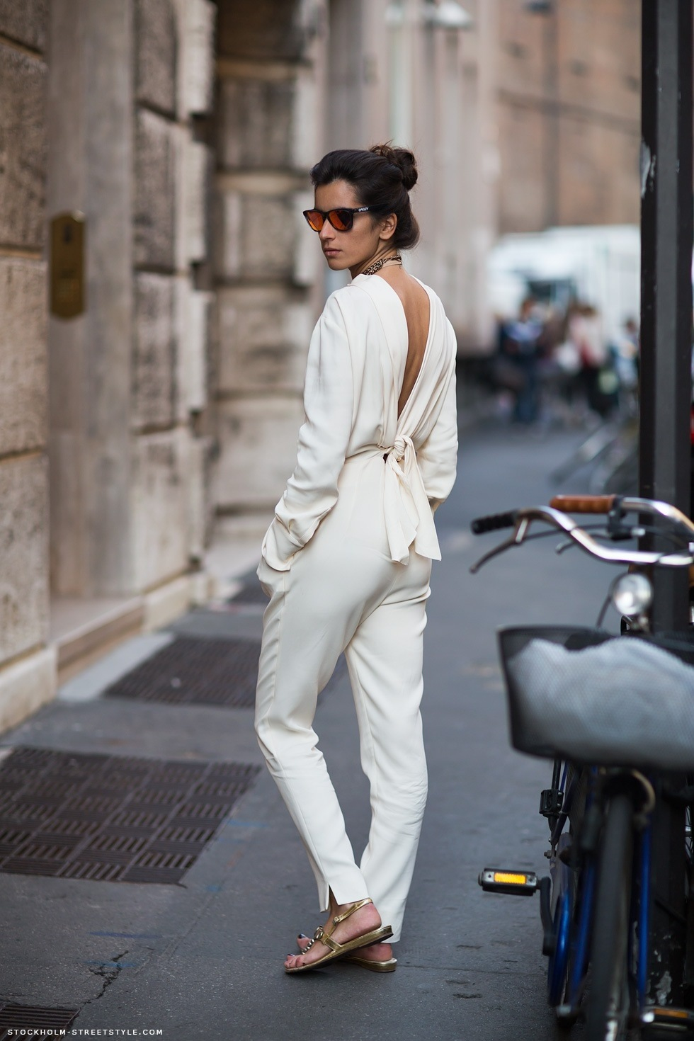 white-jumpsuit-streetstyle