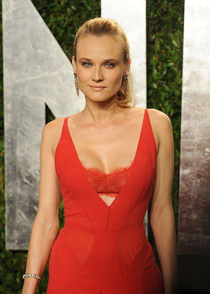 diane-kruger-visible-bra-dress