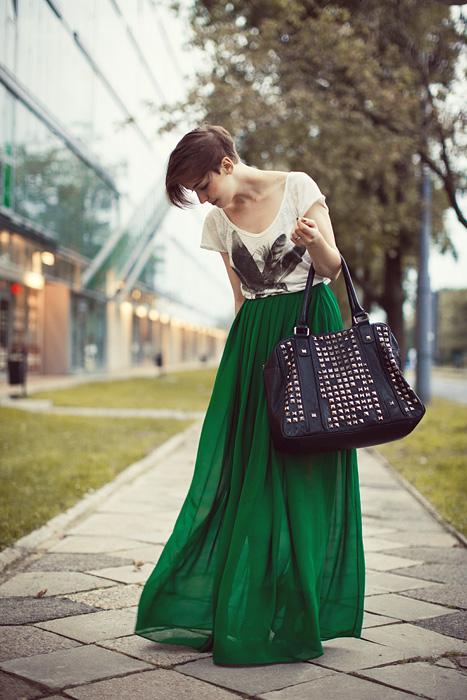 green-maxi-skirt-look