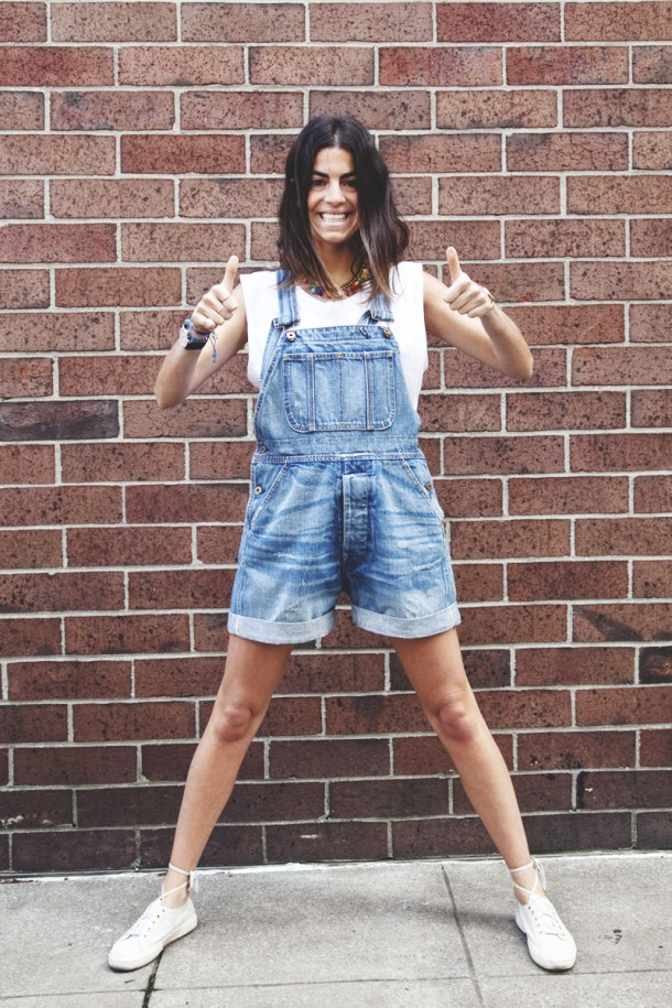 short-denim-overall-sporty-look
