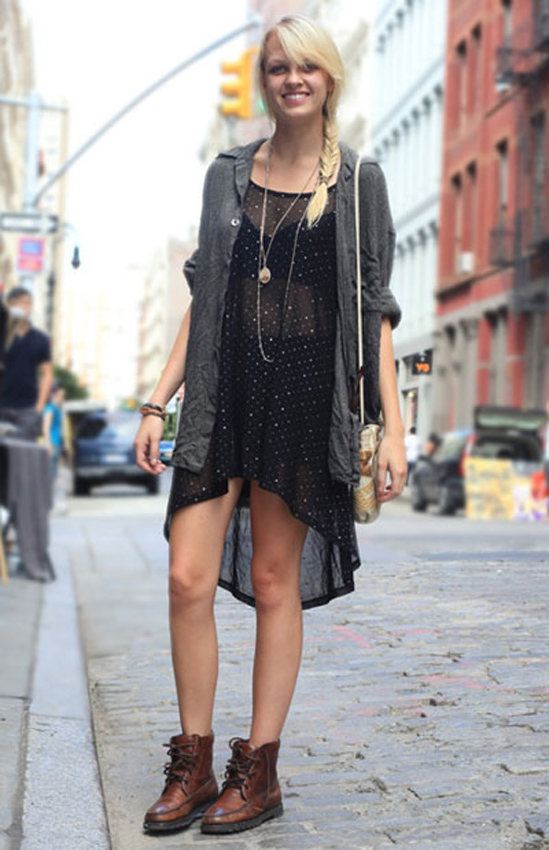 streets-style-boots-bare-legs