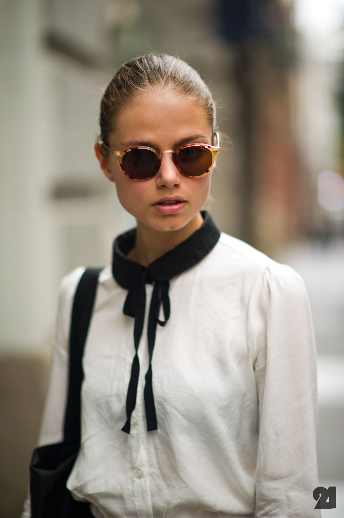 classic-white-black-shirt-street-style