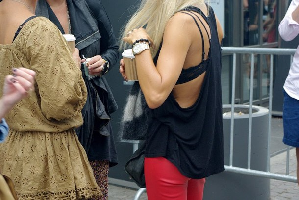 cut-out-tank-top-street-style