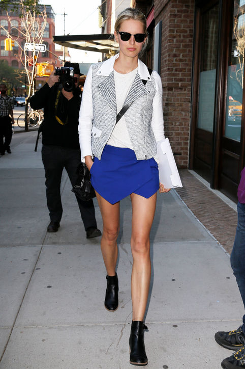 karolina-kurkova-wrap-mini-skirt