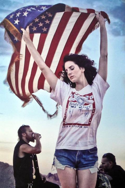 lanadelrey-4th-july-flag