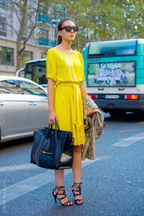 street style neon 2 Dresses That Make Your Eyes Hurt!?