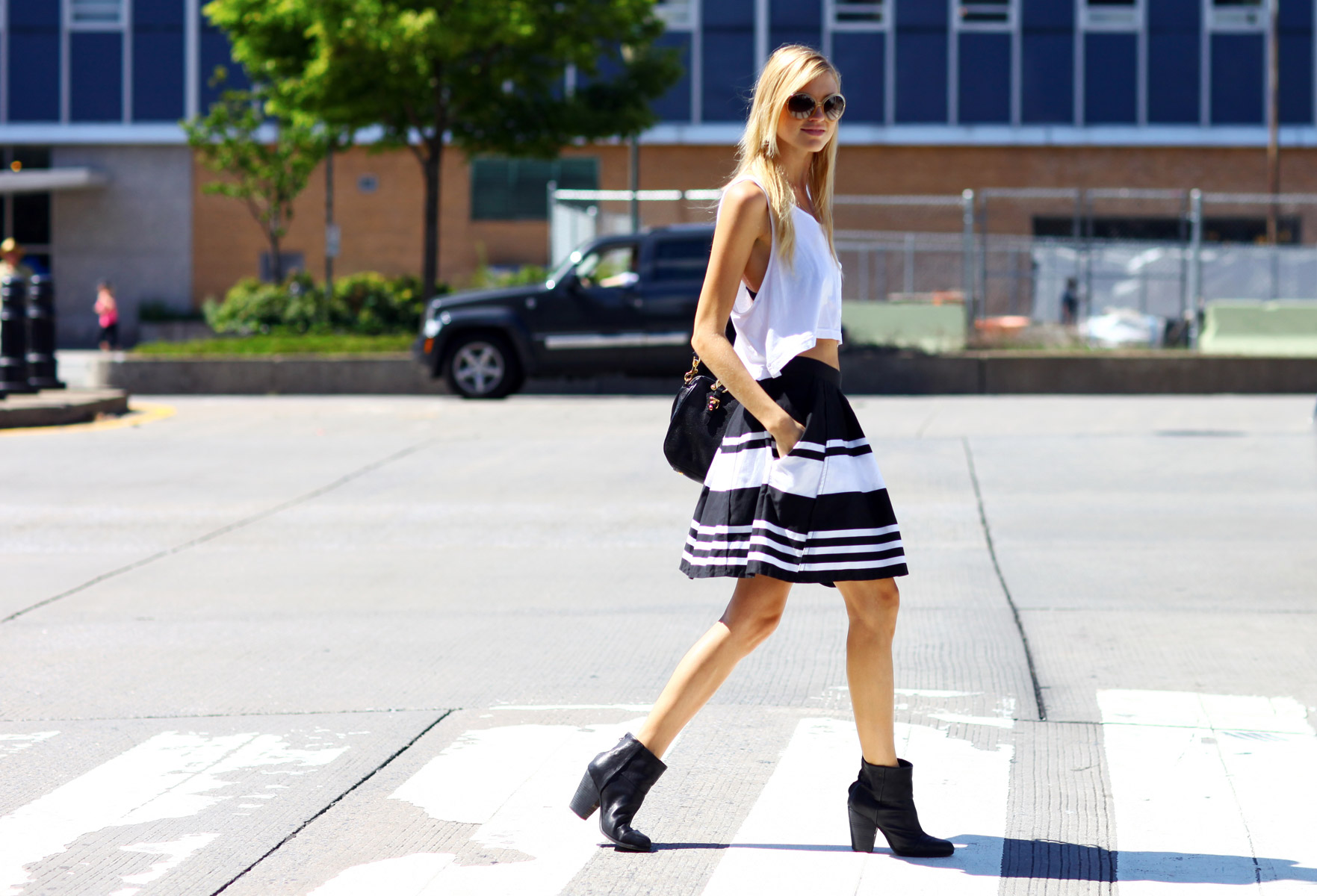 tank top streetstyle Tank Tops: Whats Your Style?
