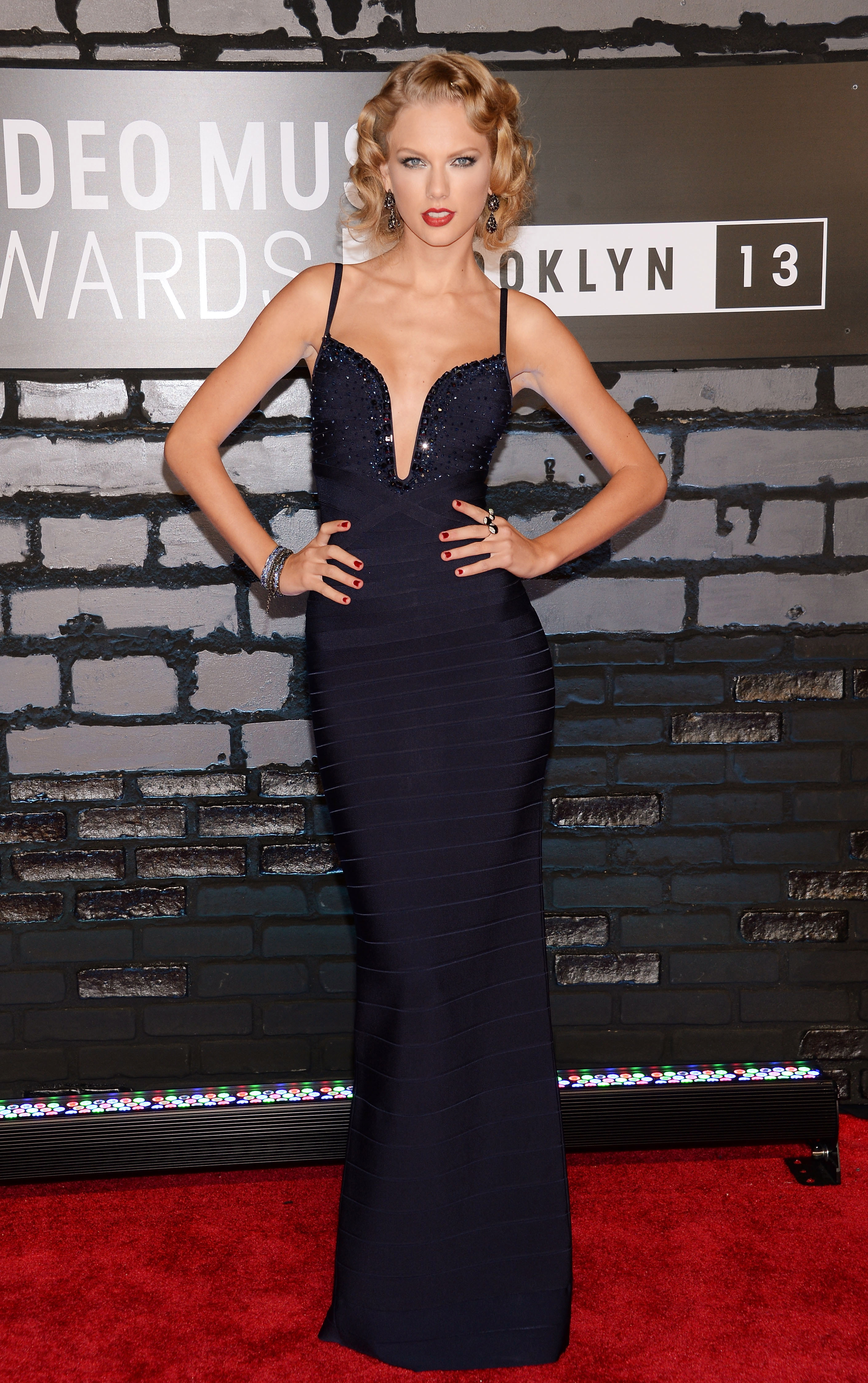2013-vma-red-carpet-taylor-swift