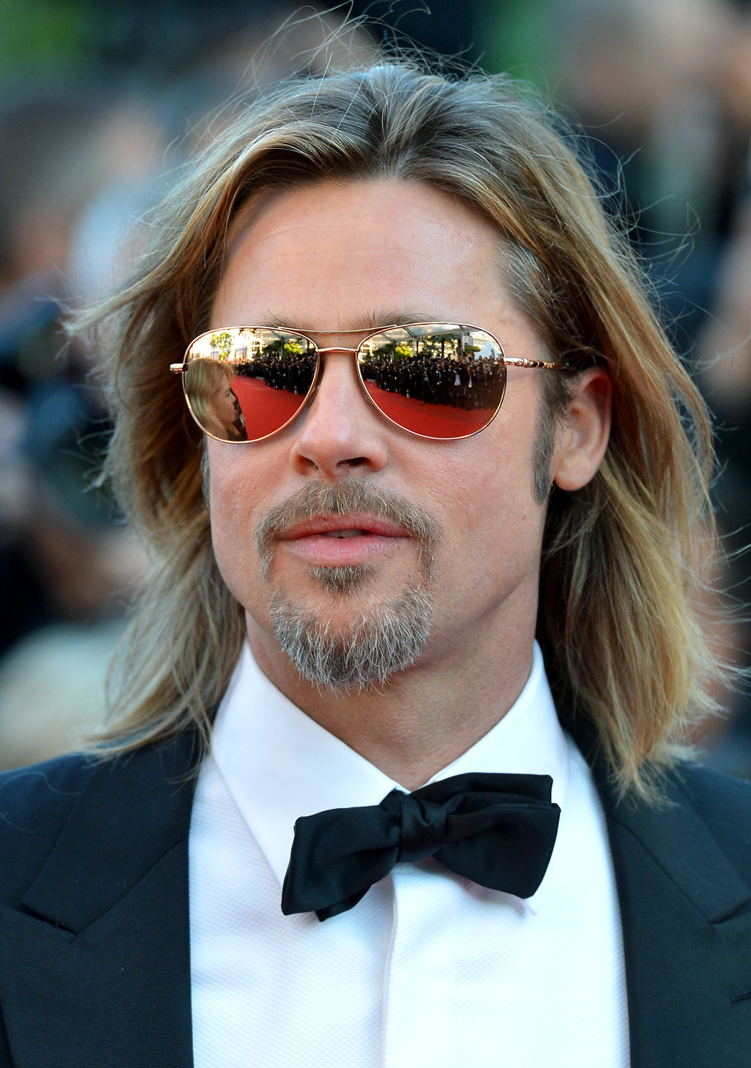 brad-pitt-mirror-sunglasses