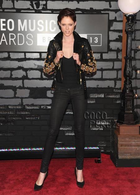 coco rocha vma red carpet 2013 2013 VMA: Red Carpet, Mileys Twerks & Tongues!