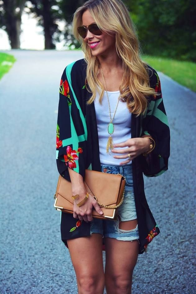 denim-shorts-long-sleeves-looks